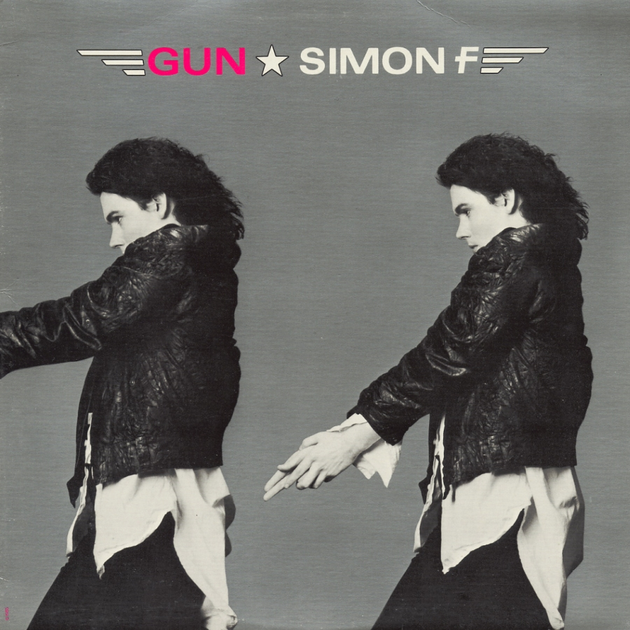 Simon F, Gun